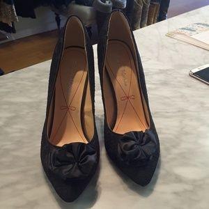 Pour La Victoire black lace heels